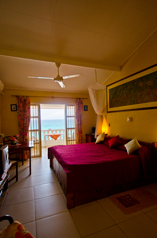 Seychelles_appartment_bedroom_1
