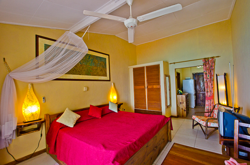Seychelles_appartment_bedroom_2