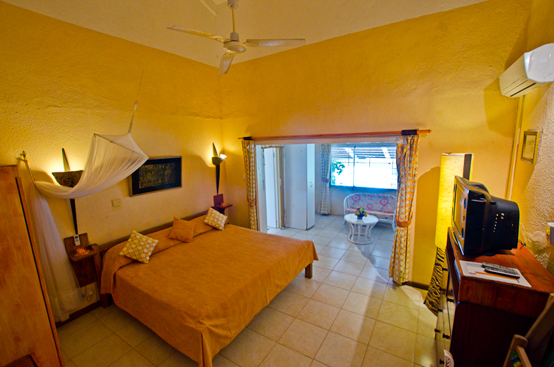 Seychelles_house_master_bedroom_1